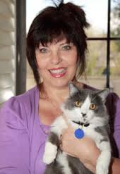 Pet World Insider Radio Segment – Sandy Robins – Pet Author & Expert – Tips for Cat Owners + Indoor V Outdoor Cats + So Much More